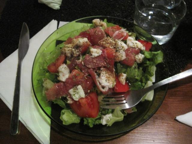 A Sandeira's heavenly salads